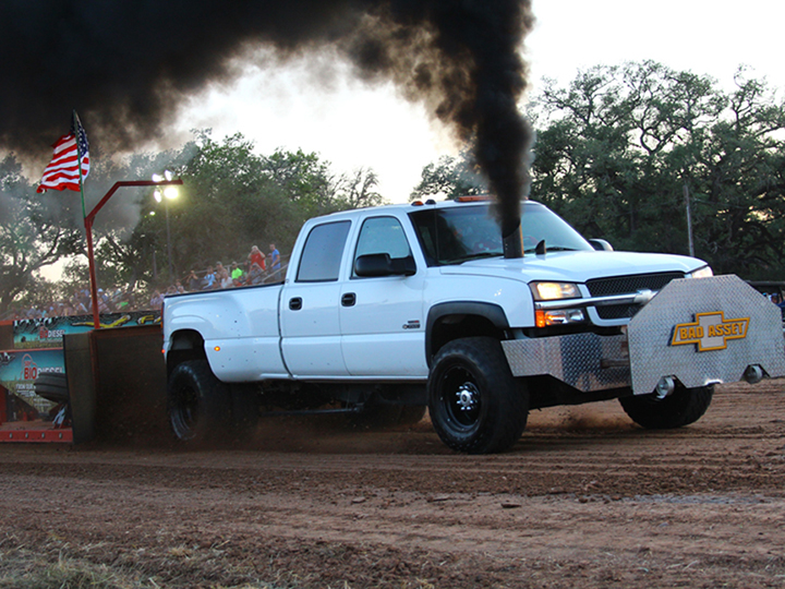 Video: Thunder By The Colorado Truck And Tractor Pull (TTTPA)