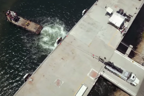 Video: 500 Hp Tow Truck Vs 900 Hp Tug Boat, Ultimate Tug Of War!