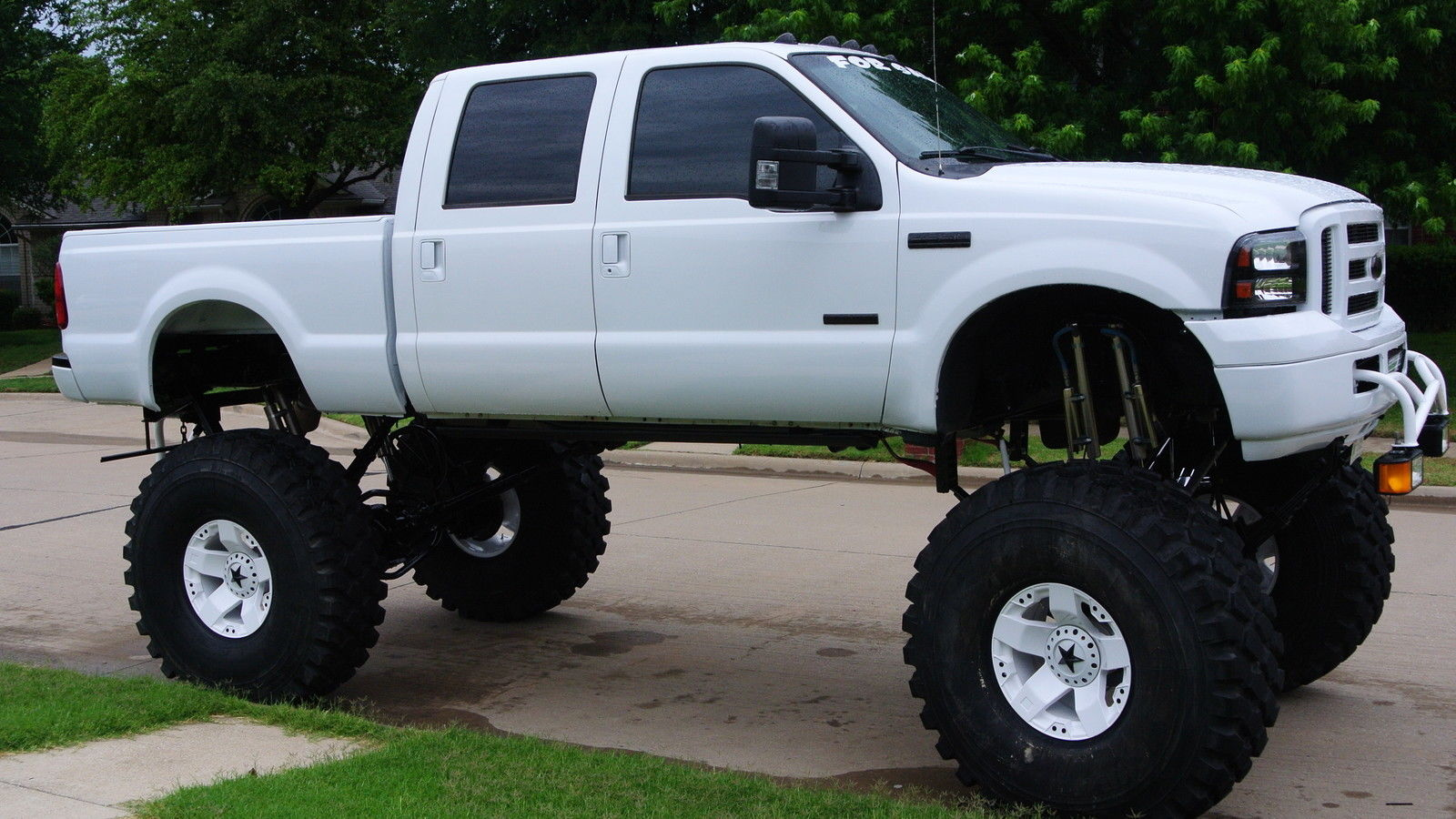 Check This Ford Super Duty Out With a 39\