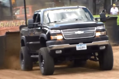 Video: Don't You Just Love Diesel Truck Pull Carnage?