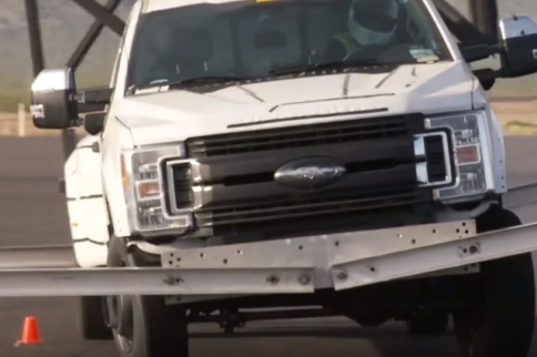 Video: Testing The Ford Super Duty's Camper-Hauling Confidence