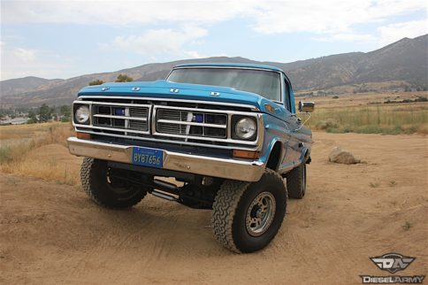 Brilliant Blue: Stacy Monarrez's 1971 F-250
